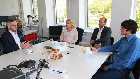 Michael Roth im Gespräch mit Susanne Mayer, Wolfgang Jeck und Bodo Straub.