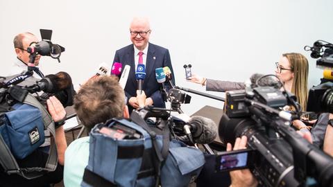 """Hessens Finanzminister Thomas Schäfer bei einer Zwischenbilanz zu den """"Panama Papers"""""""