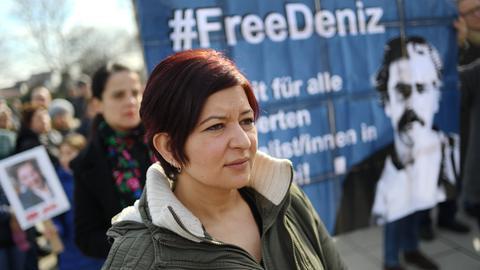 Liveblog: In Türkei inhaftierter Journalist Yücel kommt frei