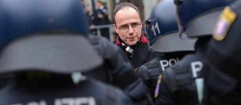 Innenminister Peter Beuth (CDU) bei einer Polizei-Übung