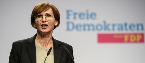 Bettina Stark-Watzinger spricht beim digitalen Parteitag der hessischen FDP