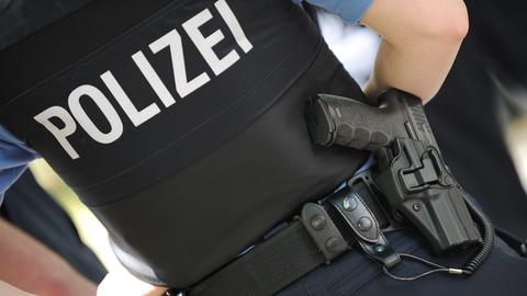 Ein hessischer Polizist in Uniform