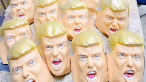 Trump-Masken werden seit seinem Sieg vielfach verkauft.
