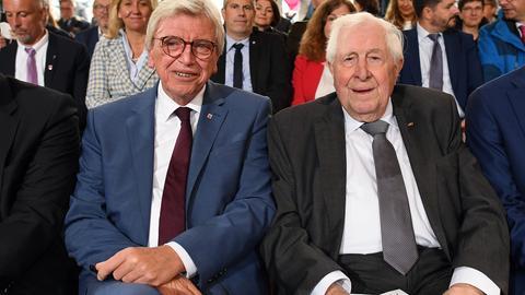 Point-Alpha-Preisträger Bernhard Vogel (r.) und Laudator Volker Bouffier