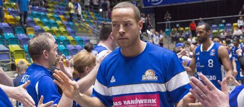 Andrej Mangold im Trainingsshirt der Skyliners