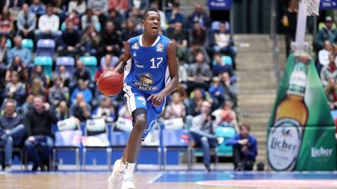 Isaac Bonga bei einem Spiel der Skyliners