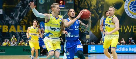 Tyler Larson von den Skyliners im Spiel in Braunschweig