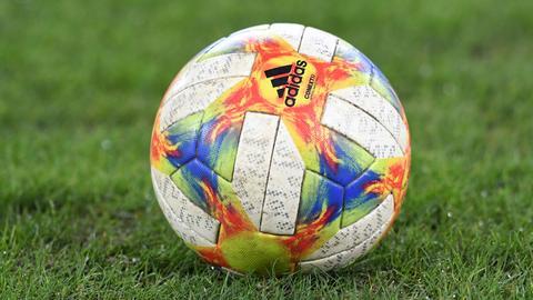 Wann rollt der Ball wieder durch die Stadien?