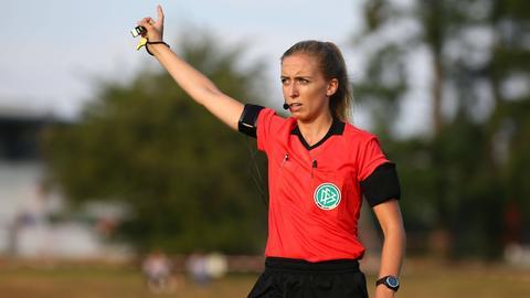 Schiedsrichterin Julia Boike ist regelmäßig im Einsatz.
