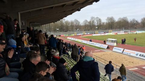 Fuldaer Fußball-Fans im Stadion Johannisau