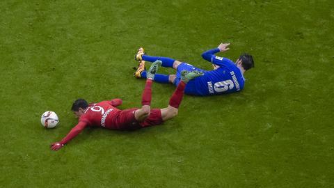 Vrancic und Lewandowski im Duell