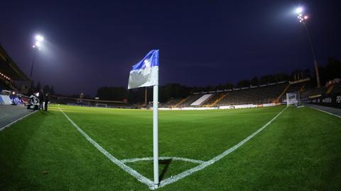 Böllenfalltor Stadion Flutlicht