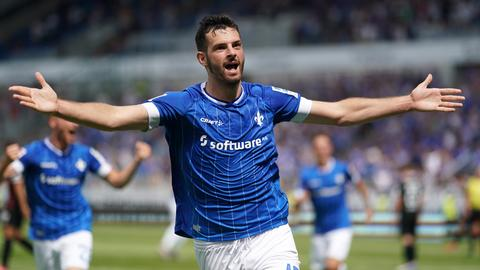 Luca Pfeiffer jubelt nach seinem Tor gegen Ingolstadt