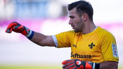 Darmstadt-Torhüter Daniel Heuer Fernandes findet lobende Worte für seine Konkurrenten.
