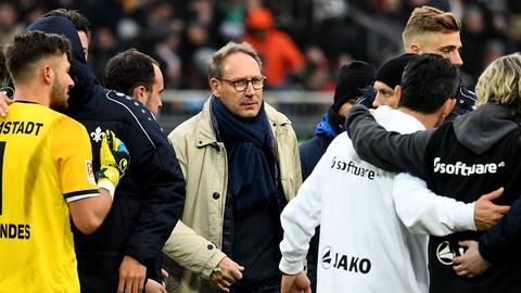 Rüdiger Fritsch inmitten der Mannschaft