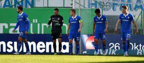 Spieler des SV Darmstadt 98 beim Spiel in Fürth