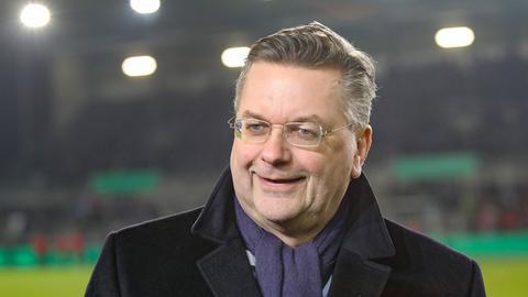 DFB-Präsident Reinhard Grindel wünscht sich Hilfe für die Lilien.