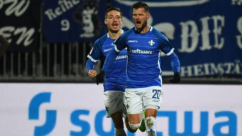 Marcel Heller bejubelt den Ausgleichstreffer gegen den FC St. Pauli.