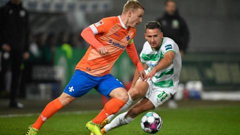 Lilien-Kapitän Fabian Holland im Hinspiel in Fürth