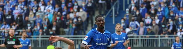 Pfeiffer beim Spiel von Darmstadt 98 gegen Hannover