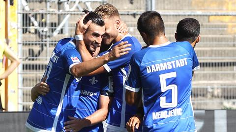 Die Lilien bejubeln den Sieg gegen Paderborn