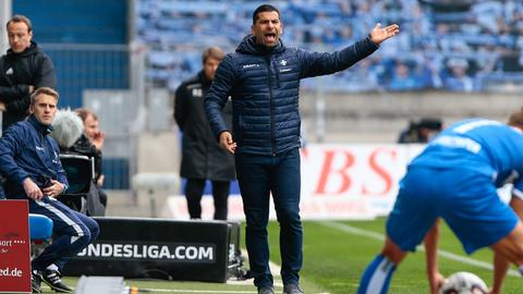 Lilien-Trainer Dimitrios Grammozis beschwert sich an der Seitenlinie