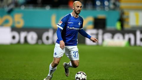 Patrick Hermann im Spiel gegen St. Pauli am Ball