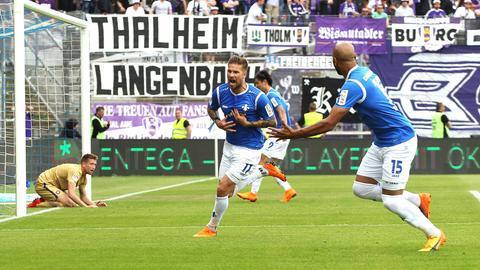 Tobias Kempe trifft zum Sieg gegen Aue