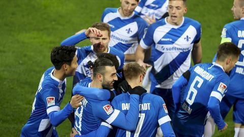 Jubelnde Spieler von Darmstadt 98
