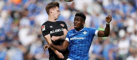 Lilien-Spieler Frank Ronstadt im Spiel gegen Dresden