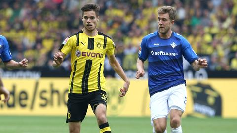 Sven Schipplock gegen Dortmunds Weigl