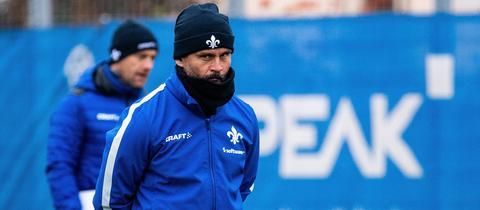 Dirk Schuster auf dem Trainingsplatz