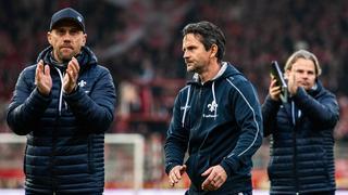 Dirk Schuster applaudiert