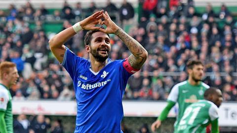 Aytac Sulu jubelt nach einem Tor gegen Bremen
