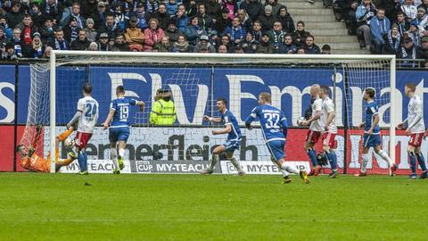 Der SV Darmstadt 98 jubelt über einen überraschenden Auswärtssieg.
