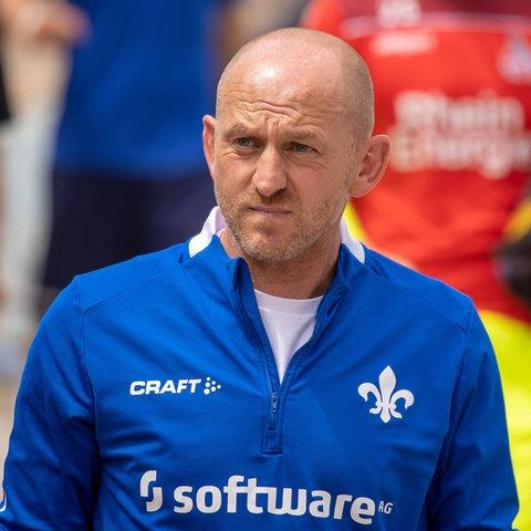Torsten Lieberknecht wird beim Spiel in Karlsruhe improvisieren müssen.