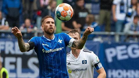 Tobias Kempe von Darmstadt beim Spiel gegen Hamburg.