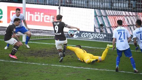 SV Darmstadt 98 St. Pauli Burgstaller