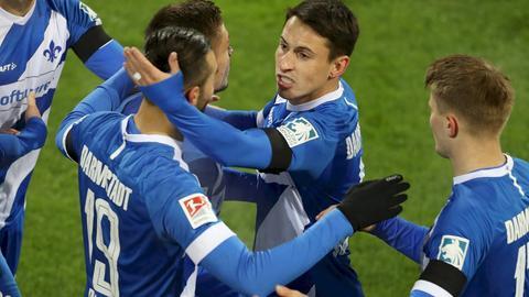 Jubel beim SV Darmstadt 98 im Spiel gegen Braunschweig