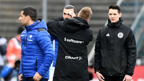 Dimitrios Grammozis und Serdar Dursun bei der Partie des SV Darmstadt gegen Kiel.