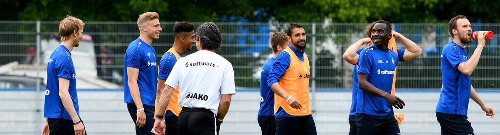 Szenen vom Training des SV Darmstadt 98