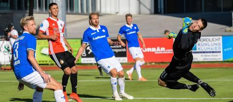 Darmstadt kassiert einen Gegentreffer im Spiel gegen Rotterdam