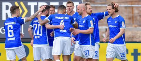 Darmstadt 98 bejubelt den Sieg gegen Union Berlin