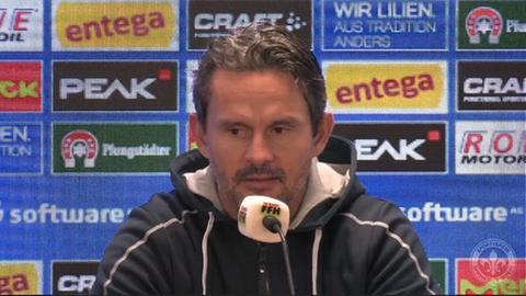 Dirk Schuster in der PK