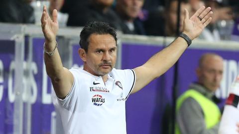 Dirk Schuster erwartet ein heißes Duell gegen Ex-Klub Darmstadt.