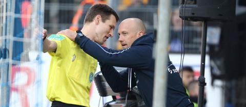 Frank Steinmetz im Clinch mit dem Schiedsrichter