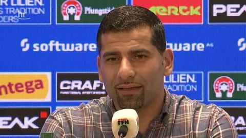 Dimitrios Grammozis in der Pressekonferenz