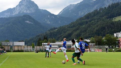 Szene aus dem Testspiel Darmstadt gegen Bursaspor
