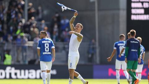 Darmstadts Phillip Tietz nach dem Sieg gegen Hannover.