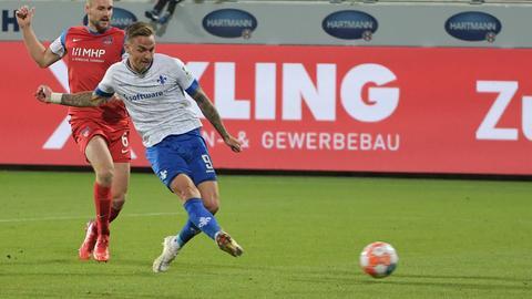 Philipp Tietz trifft zum 1:1 in Heidenheim.